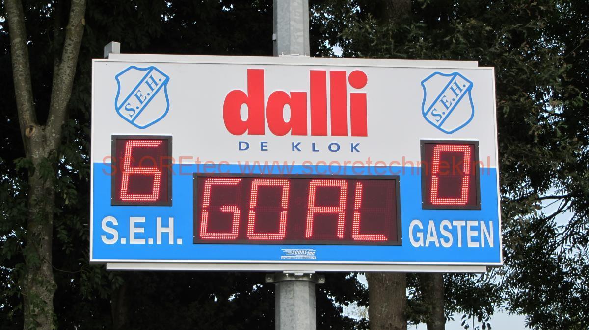 636 141 - SEH Heerde  met paalklemmen Voetbal scorebord